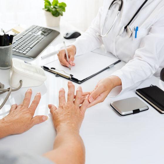 artroză umăr decât tratat o durere articulară în mână