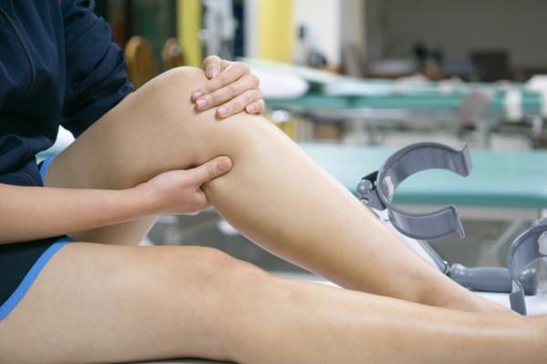 umflarea durerii genunchiului glucosamină condroitină maxi