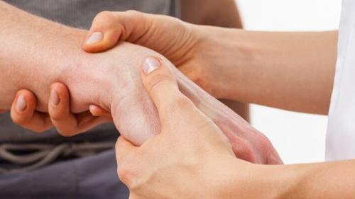 tratamentul articulației genunchiului în mariupol unguente pentru tratamentul artritei degetelor