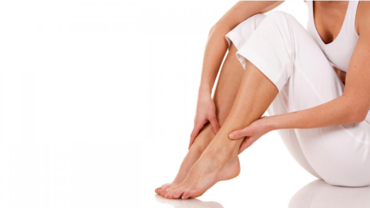 dureri articulare datorate pantofilor durere cu flexia brațului la articulația cotului