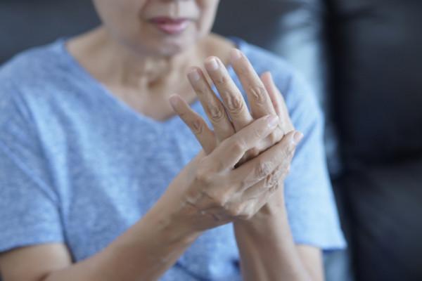 dureri articulare după administrarea de anastrozol