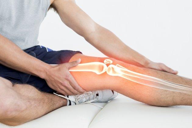 genunchi dureros la 31 de ani