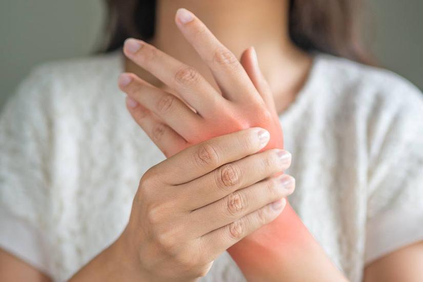 artrita reumatoidă a simptomelor mâinilor dureri articulare după tratamentul dinților