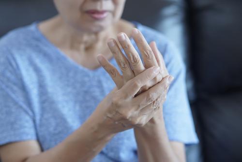 cum să tratezi artroza cu degetul mare falsă articulație a istoriei bolii gâtului femural