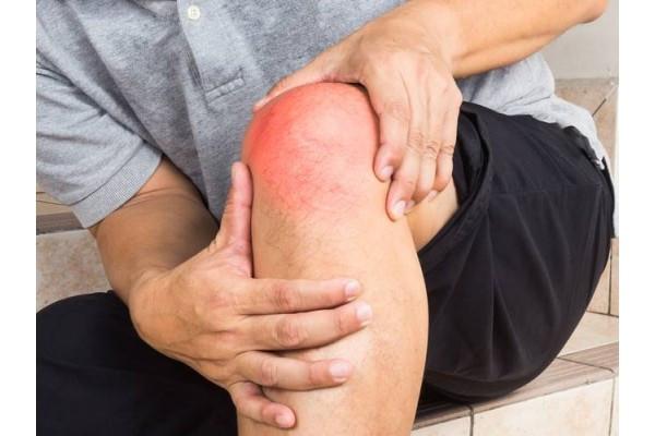 de ce articulatia genunchiului se crispa si doare