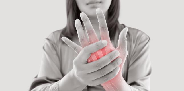 subluxarea restaurării articulației cotului