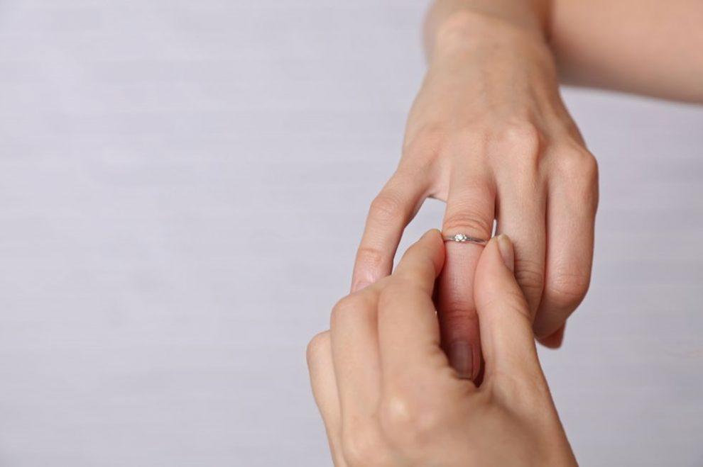 dureri articulare și degete umflate dureri la nivelul articulațiilor umărului și hipocondrului