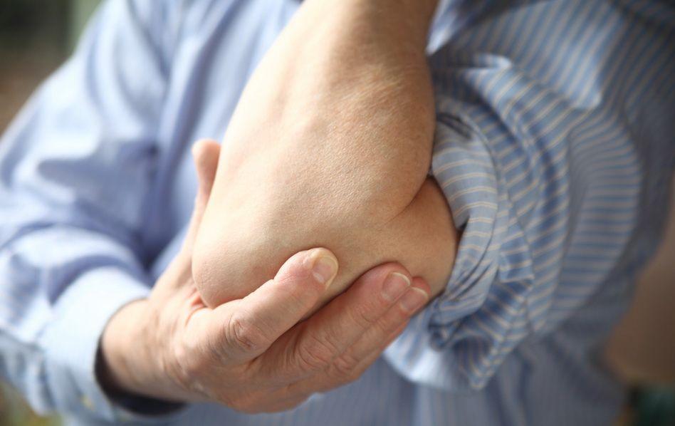durere ascuțită în articulația degetului mic