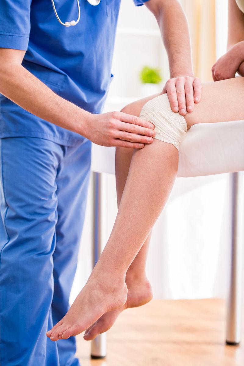 genunchii doare ce să facă umflarea leziunilor la genunchi