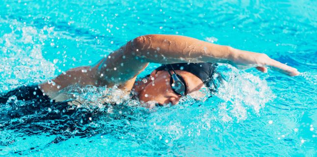 înotul este bun pentru durerile articulare